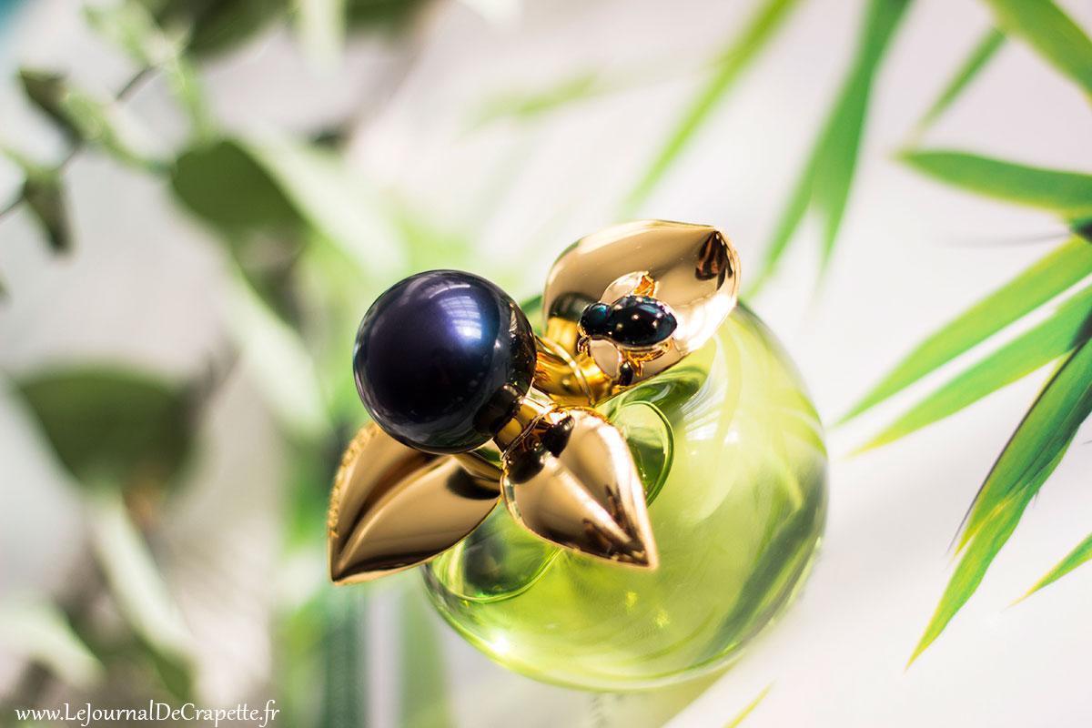 detail flacon parfum Bella de Nina