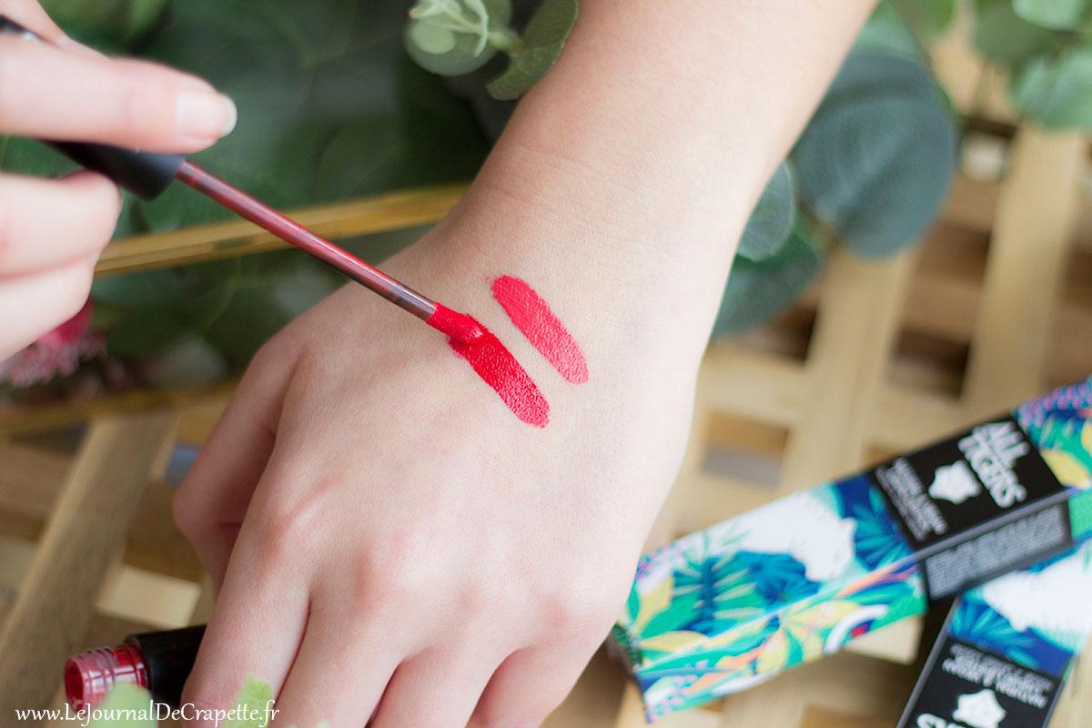 swatchs all tigers lipsticks